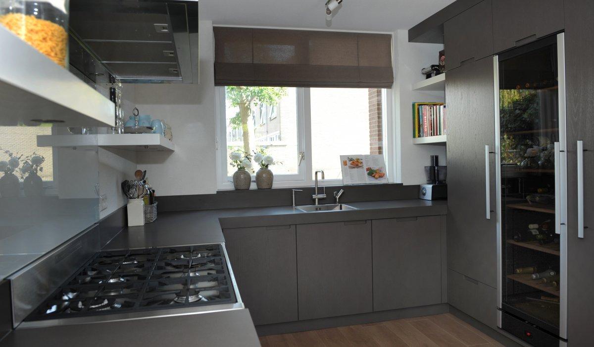 Wonderbaarlijk Keuken strak taupe kleur AX-18